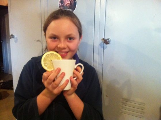 Kids can make honey and lemon tea
