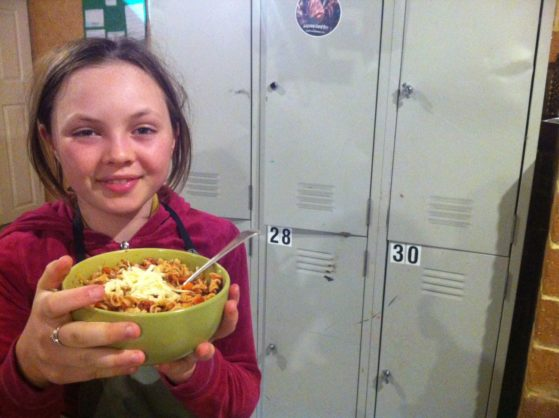Kids can cook bolognese pasta