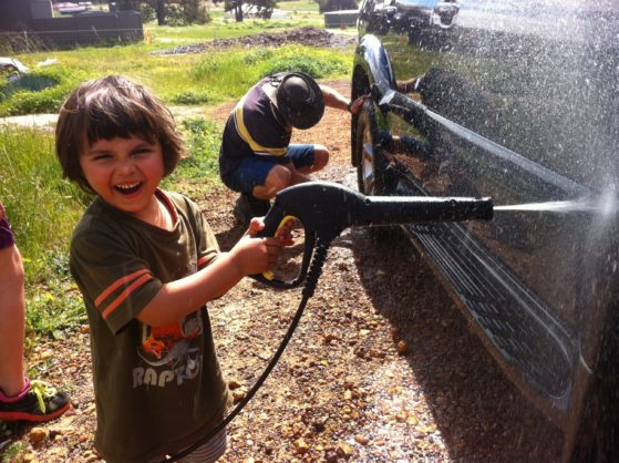 elijah washing car