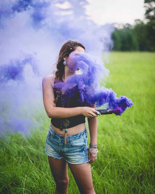 Tuesday vibes ✨ . . . #wanderlust #smokebomb #gypsy #tuesday #instagrambham #birminghamportraits #birminghamseniors #seniorportraits #seniorsession #senioryear #classof2019 #birmingham #birminghamphotographer #thetwelfthyear #MODERNsenior #seniorchic #seniorstyleguide #SeniorInspire #THEseniorcollective