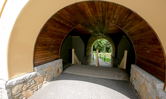 Walkway-at-Golden-Eagle-Lodge