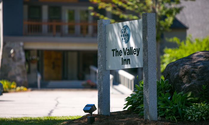 The-Valley-Inn-Sign