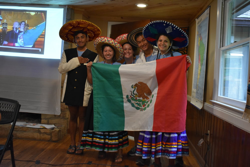 Kids learning about Mexico on Immersion Island