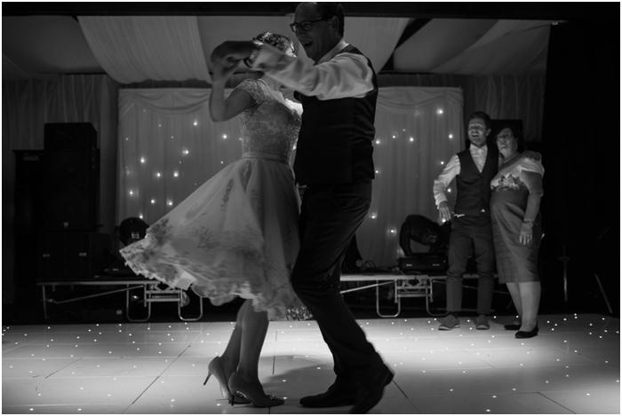 Bride and Dad dance at wedding_0034