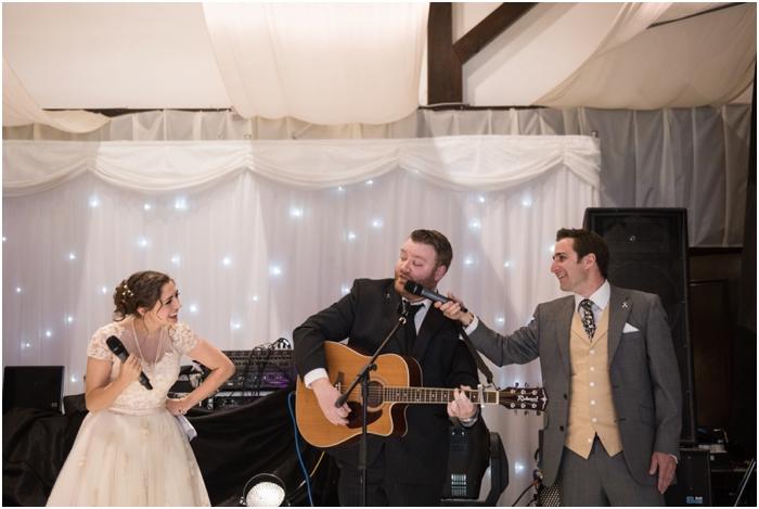 Bride singing at wedding_0033