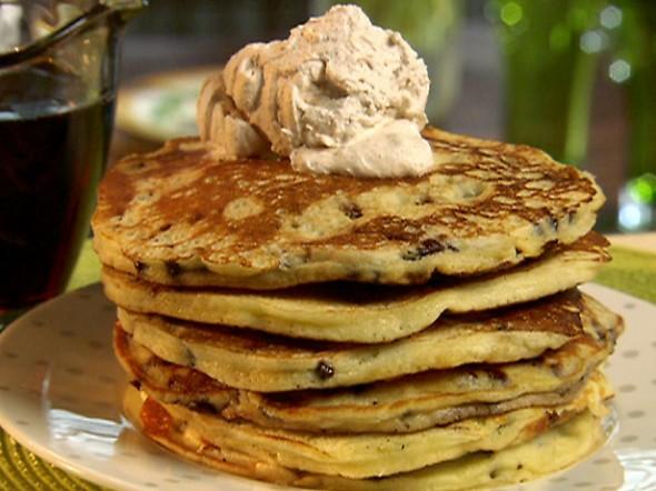 PA1207_Chocolate-chip-pancakes-with-cinnamon-cream_lg