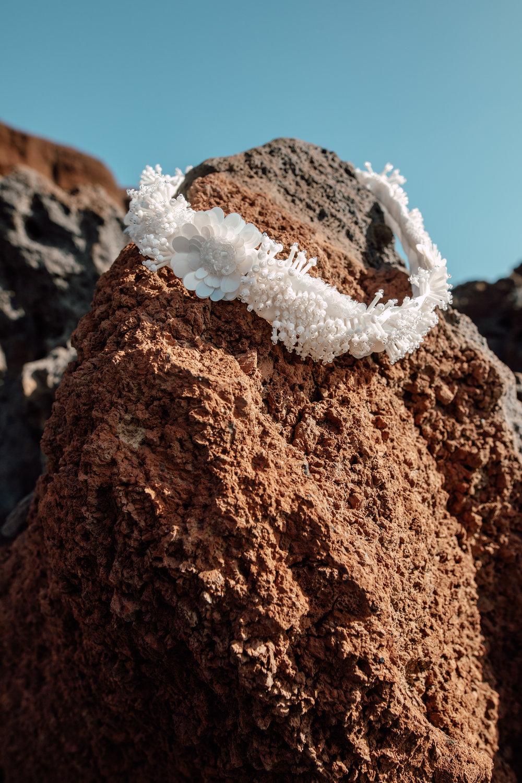 REEF BELT - Seidengürtel mit handgearbeiteter Perlenstickerei und Seidenfutter.Material: 100% PES / 100% SE380 €auch in schwarz erhältlich.