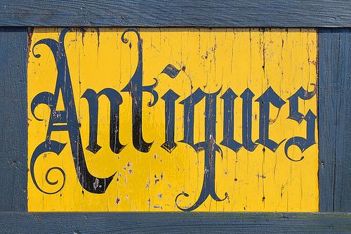 antiques_sign