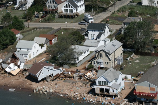 hurricane-irene-damage-ct-nat-guard-east-haven
