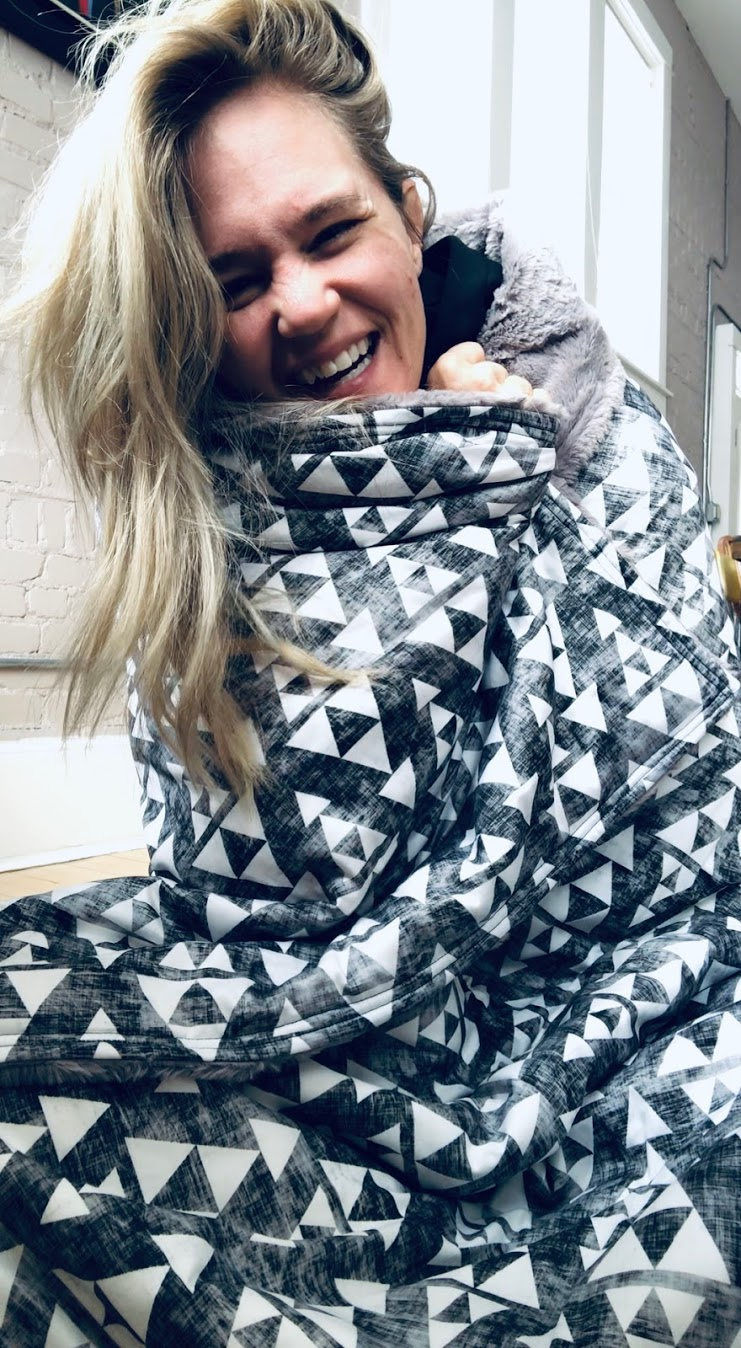 Weighted Blanket Review - PTSD, Anxiety & Depression.All I have to say is why did I 'weight' so long!?