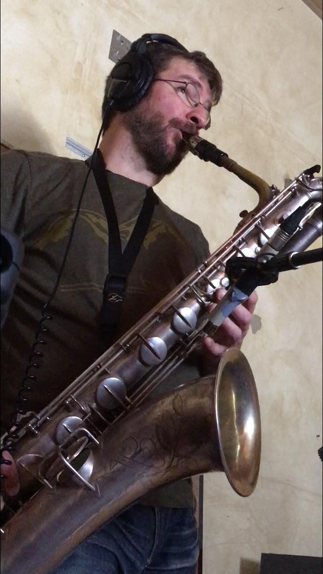 CAMERON WALLIS - Horns