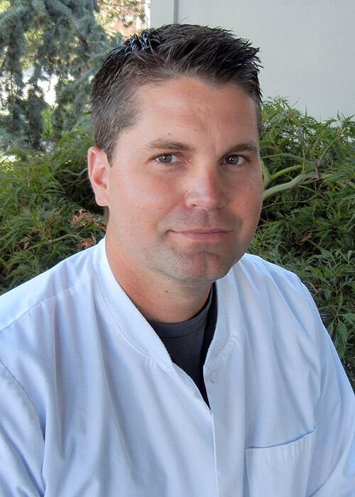 Ezra C. Christian DDS - Dr. Ezra specializes in healthy beautiful smiles. His calm chair side manner make his patient's feel at ease. He has gone above and beyond his dental education to include advanced procedures.