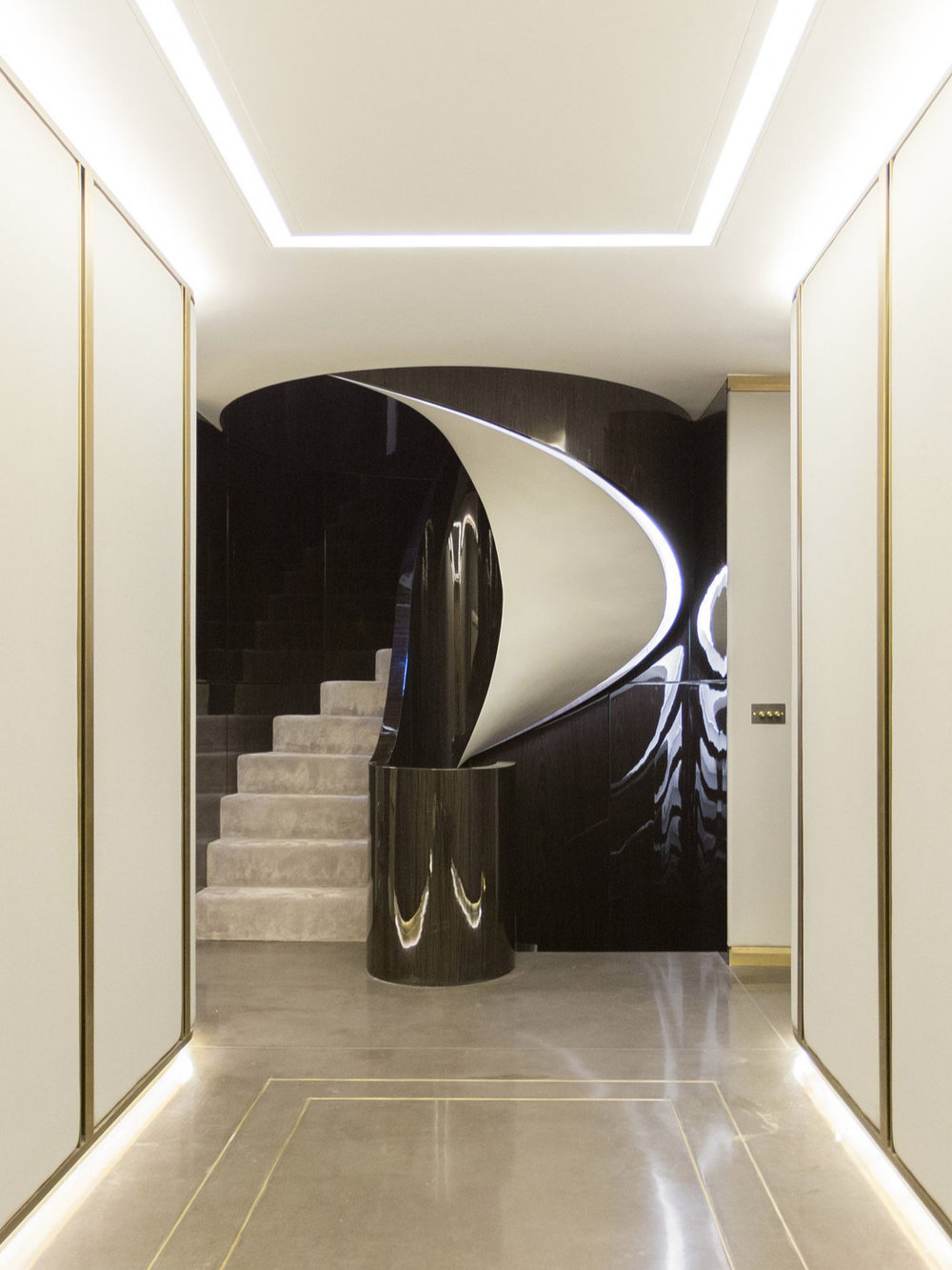 Luxury%2BHelical%2BStaircase%2Bin%2BMayfair_003.jpg