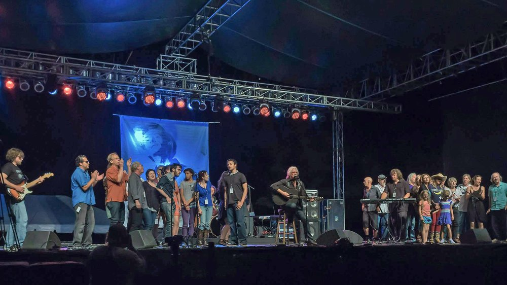 On stage with Arlo Guthrie and friends, Woody Guthrie Folk Festival. Photo Credit Phil Wirth.