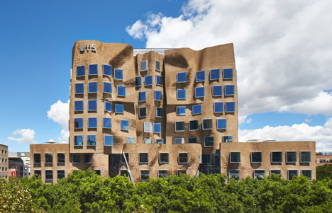 UTS-Business-School-by-Frank-Gehry-1.jpg