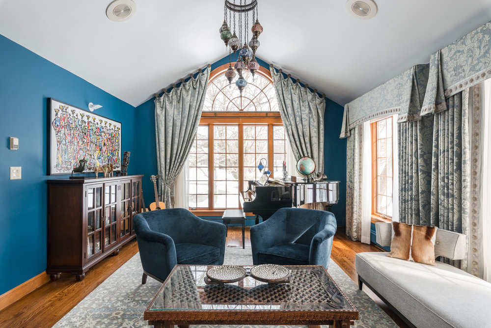 custom-workroom-soft-furnishings-custom-drapery-window-coverings-Boston-Massachusetts-Carmel-Valley-california-13.jpg