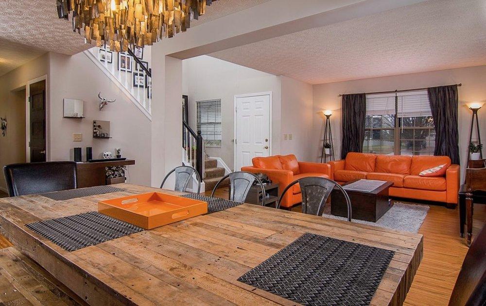 Real Estate Photo Living Area - Grove City