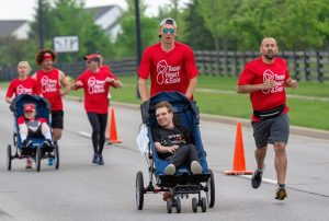 Early runners at the Grove City Mother's Day 5K