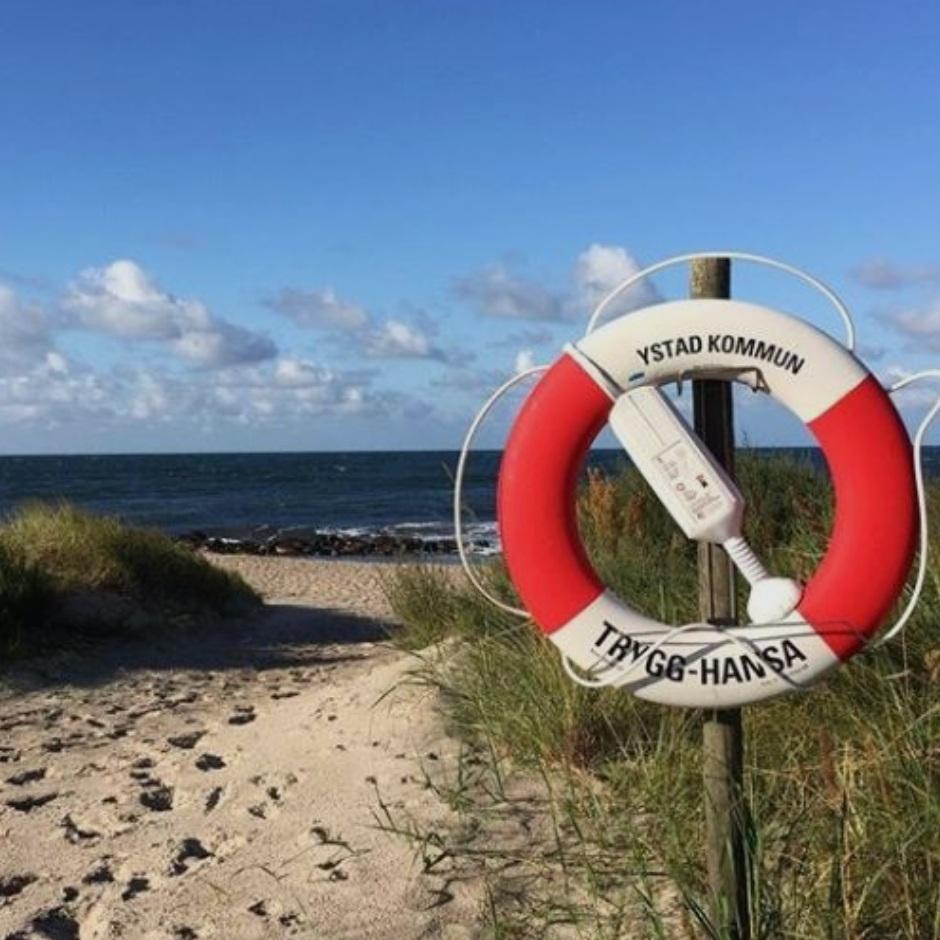 CIRCLE K TIPSAR - LÖDERUPS STRANDBADEn perfekt paus på din färd genom Österlen. Strax efter fiskrökeriet i Kåseberga och innan den mer fullpackade stranden i Sandhammaren. När du har vilat en stund har du bara 2 mil in till Ystad för en mysig sommarkväll.Tips inskickat av: Maria Philipson, Circle K
