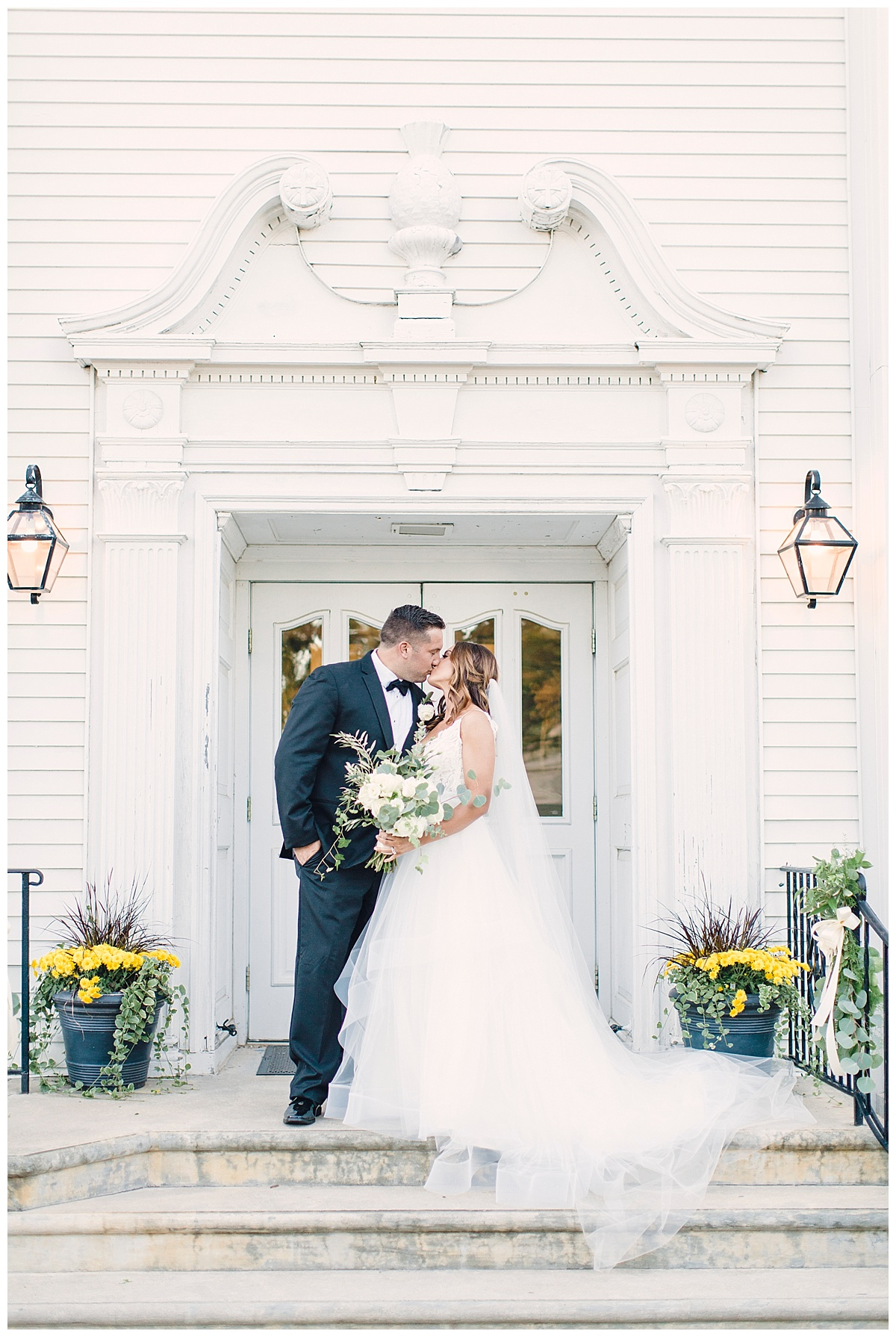 Elegant Black and White Wedding
