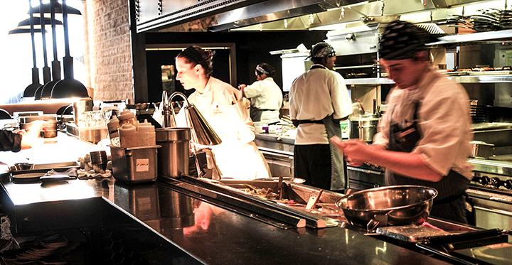 CornerBarandRestaurant-94(web).png