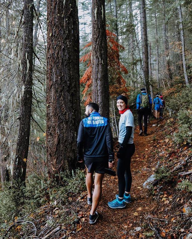 ooo throw back to our trail running retreat in collaboration w @sarahattar - shot by @sarforre 🌿🏔🍄 #lodgedouttrailrun #lodgedout