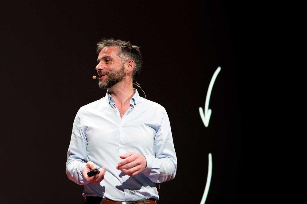 conference-TEDxParisSalon-2019-7.jpg