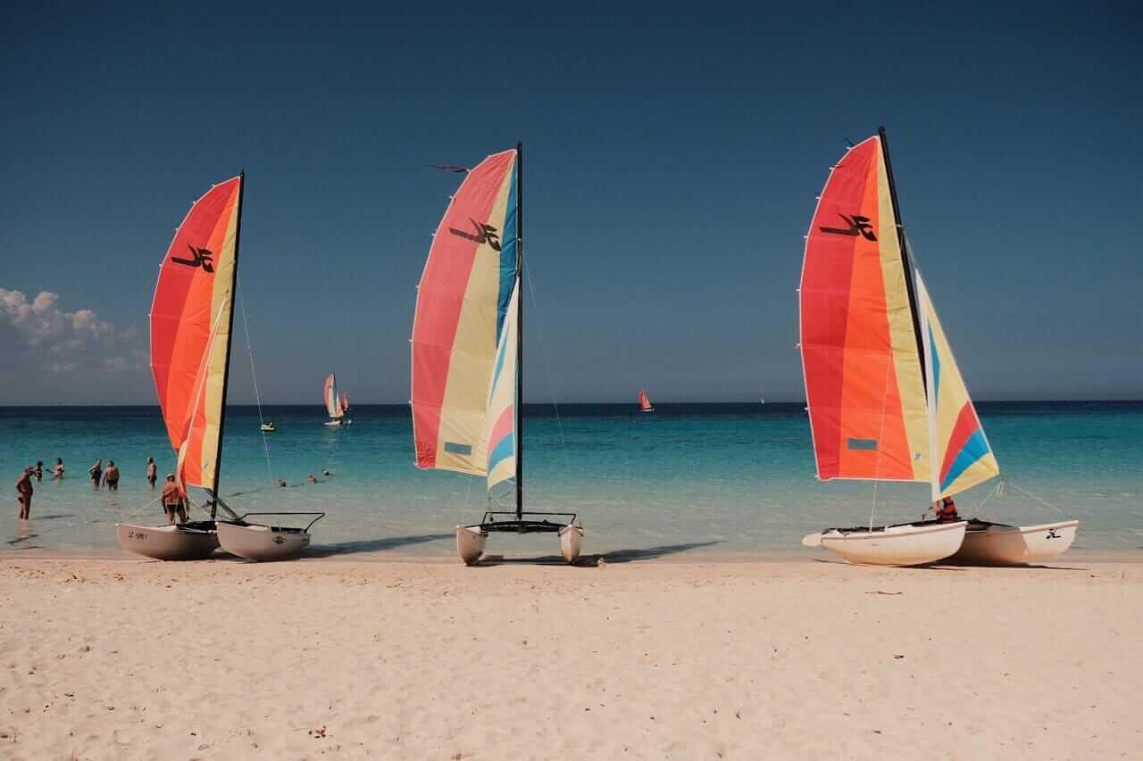 Cuba Holguín Boat on the beach