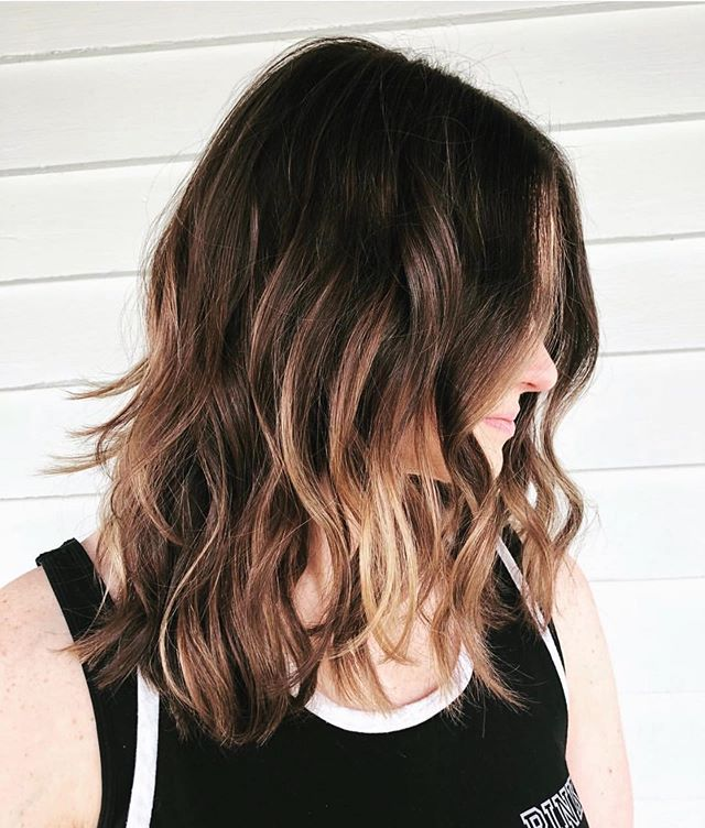 Balayage + Texture work by @lovejoechapa 👏👏 - Do not wait! Click the {link in bio} to book your appointment with our talented team! See you soon 😍