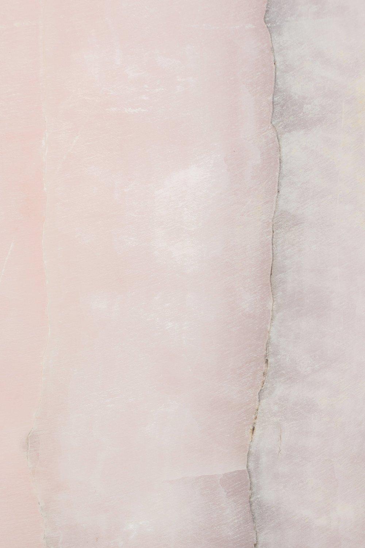 Design & Entwurf - Leichtigkeit, Natürlichkeit und stilvolle Eleganz beschreiben die Seele der Brautkleider von NALA bridal couture. Kleine Stückzahlen und individuelle Einzelstücke machen jedes Kleid zu etwas ganz Besonderem.
