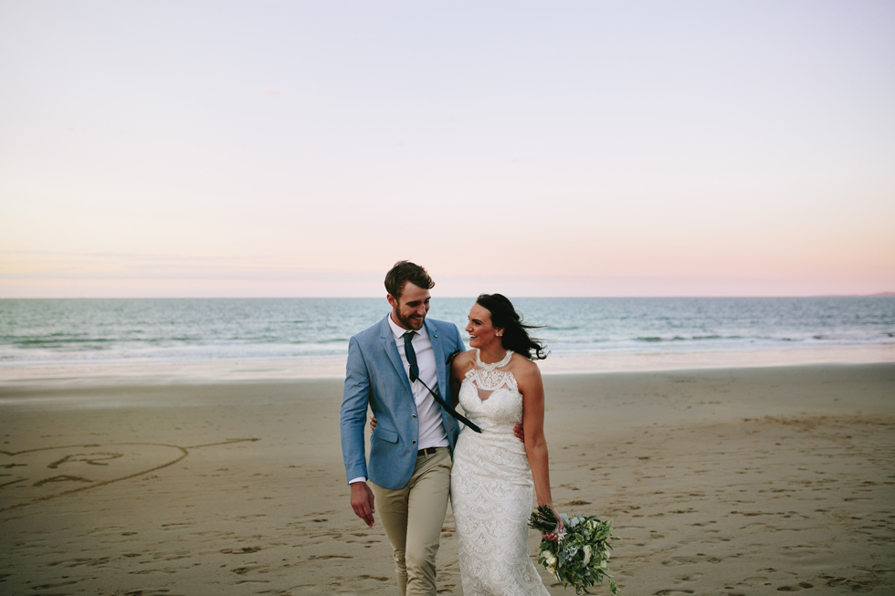 042-beach_wedding_queensland