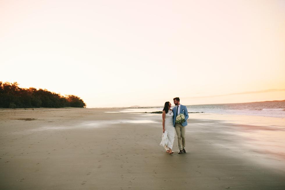 054-beach_wedding_queensland