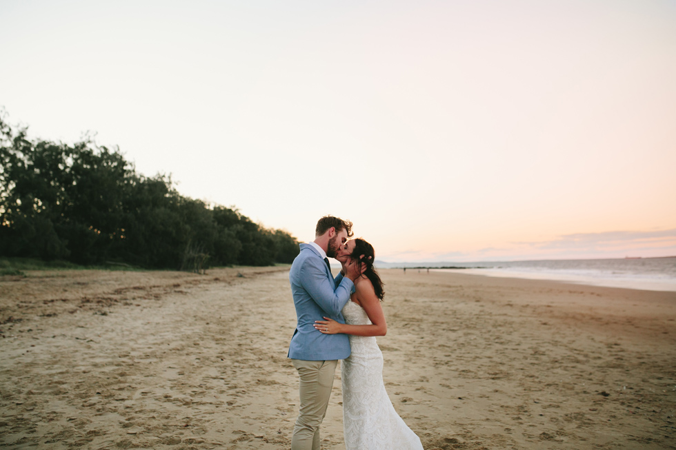 056-beach_wedding_queensland