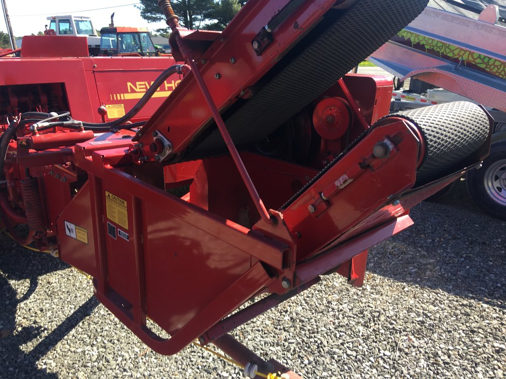 New Holland #72 Hydraulic Bale Thrower, complete, just off NH baler. Good clean unit. - $2500