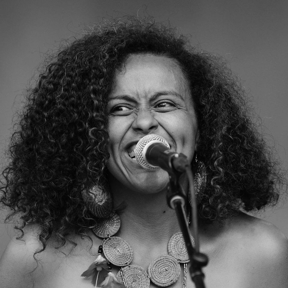 Flavia Nascimento credits photos Fabien Gagnon .jpg
