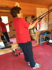 Suspension Training female personal trainer woking 2.jpg