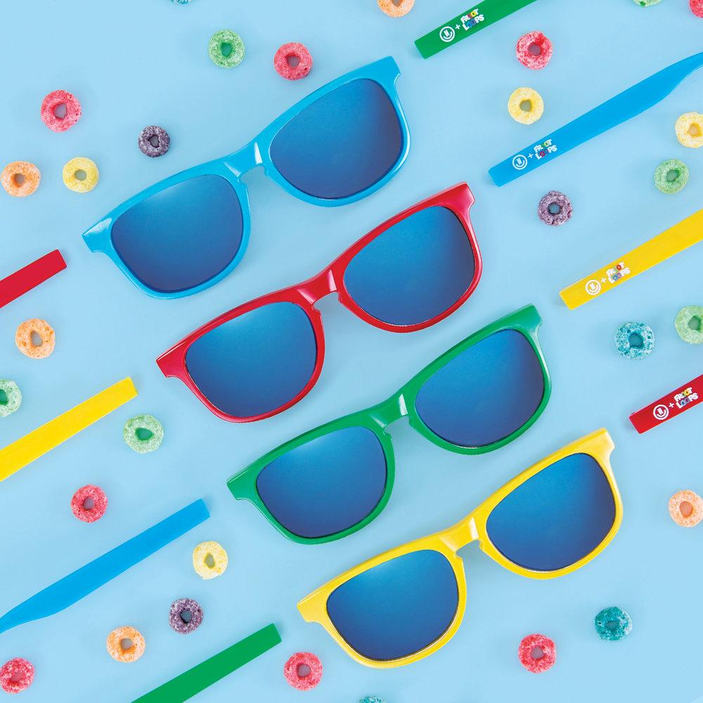 p007_Glasses&Loops_v1.jpg
