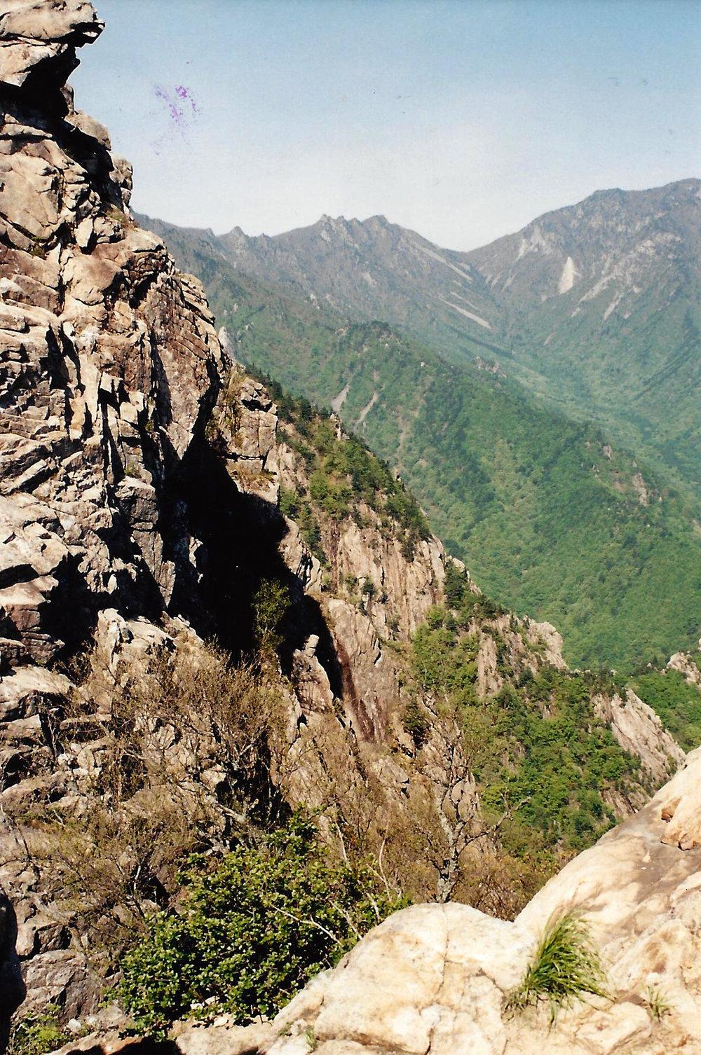 Image-11-South-Korea-The-Sorak-National-Park-1.jpg