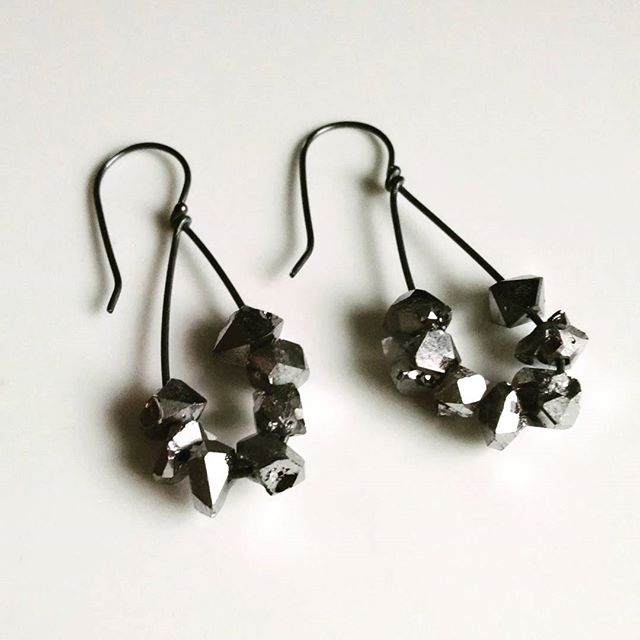 - rocker chic sparklewith metallic coated quartzon silver dangles