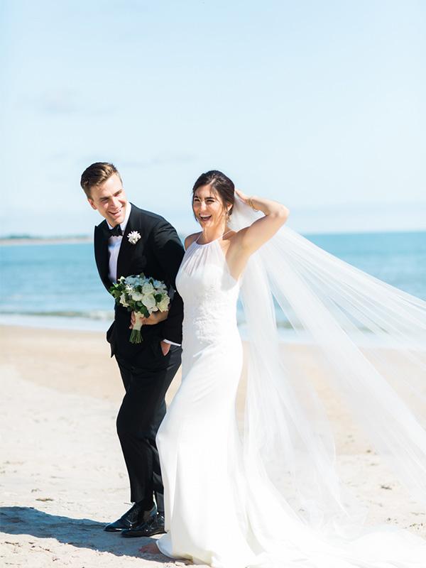 RR_600x800_couple on beach, windblown veil.jpg