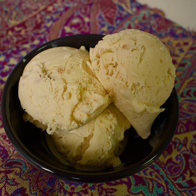 Kaju Katli Ice Cream. Whole cashew nuts are perfectly roasted then spun into rich cashew butter and swirled together with fresh cream. This is then cooked together  for a long time. To finish, we add pieces of roasted cashew through out - to round off a satisfying bite. The easy thing would have been to toss in chunks of kaju Katli in the ice cream but we decided to build this flavor from the ground up, so it really becomes a kaju katli ice cream. Enjoy 🍦  #icecreamwalla #handcrafted #icecream