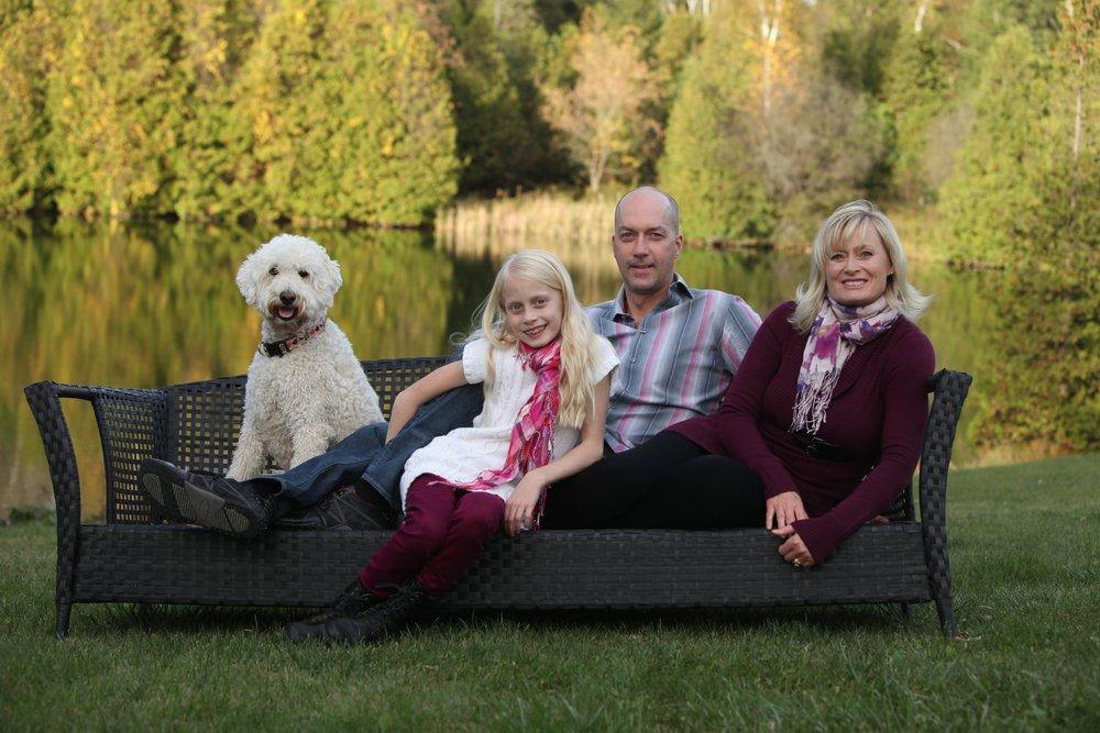 cottage show family portraits.jpg