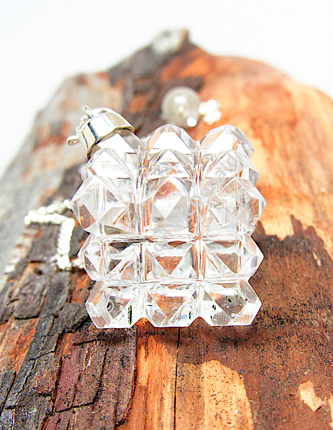 2  Quartz 54 Pyramid Power Cube Crystal Pendulum Reiki Sacred Geometry