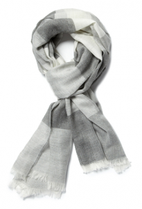 men's style: lightweight scarf