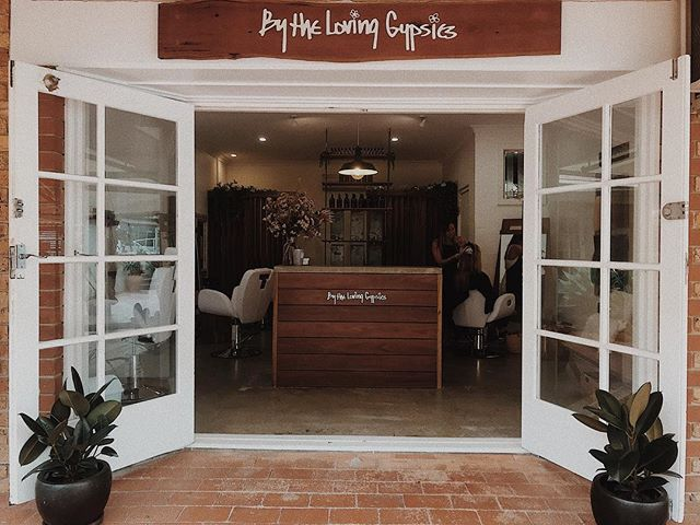 Here in our happy little home, we offer hair, lash, brow and makeup services 💛 DM us or hit the book button on our profile to book your next appointment ✂️💇🏻‍♀️💛 . . . . . #byronbay #byronbayhairsalon #byronbayhairdresser #byronbaysalon #bythelovinggypsies #byronbayhairstylist #byronbaybeauty #byronbaymakeupartist #byronbaylashes #byronbaybrows #lashes #hairsalon