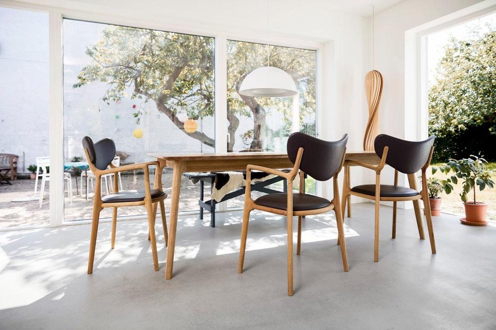 Salon_Table_Salon_Chair_Asger-Soelberg_04.jpg