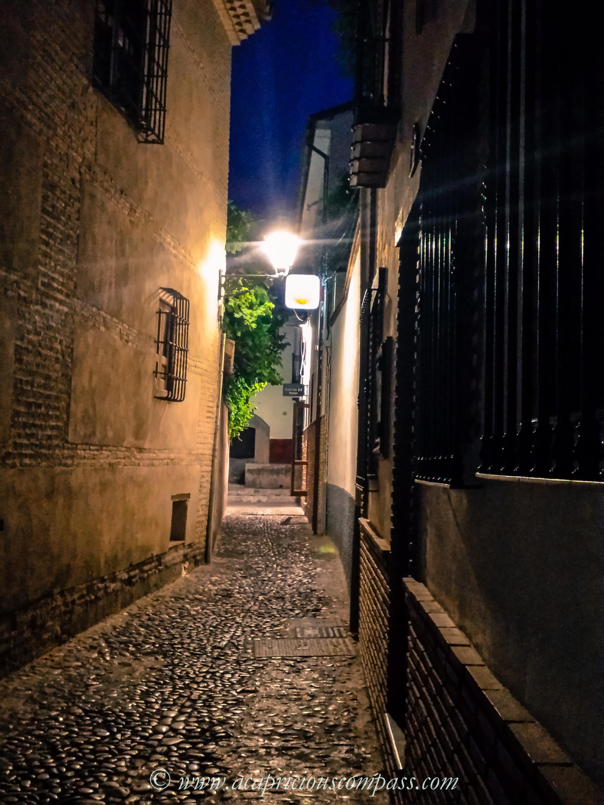 albayzin stay travel alhambra granada spain