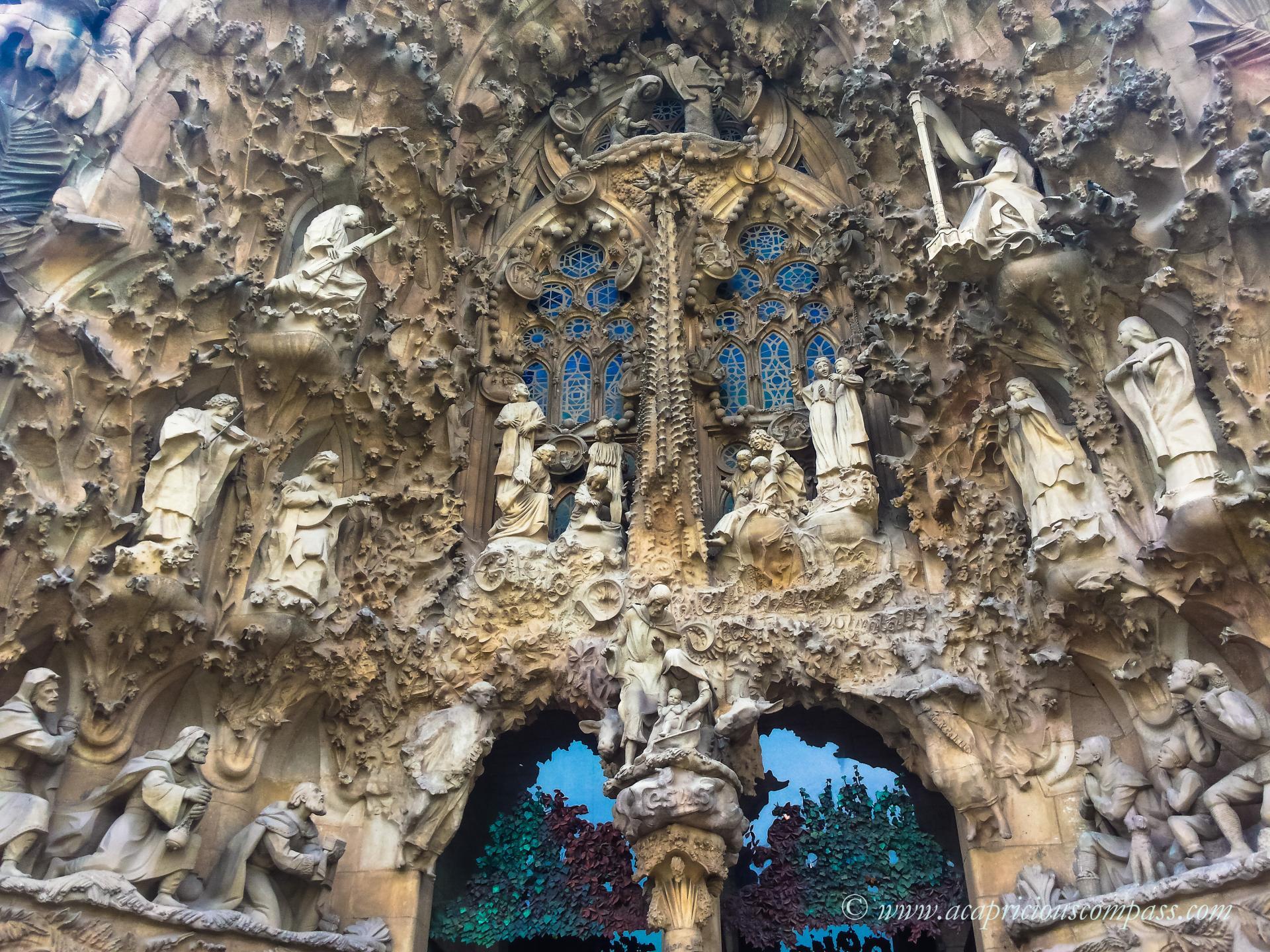 gaudi architecture barcelona la sagrada familia