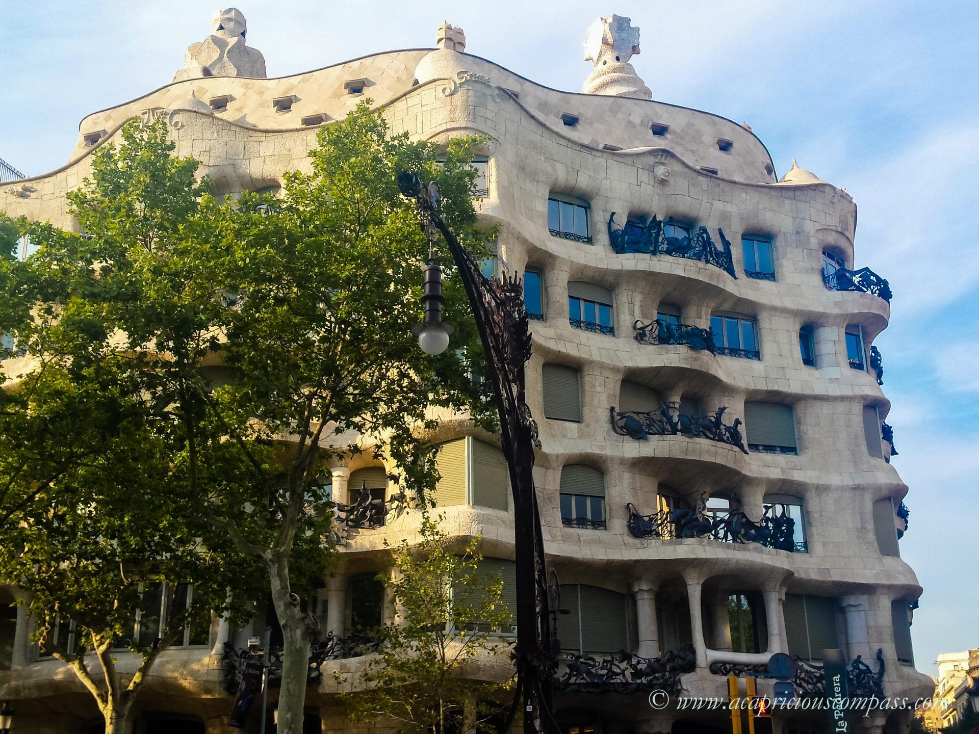 gaudi architecture barcelona casa mila la pedrera