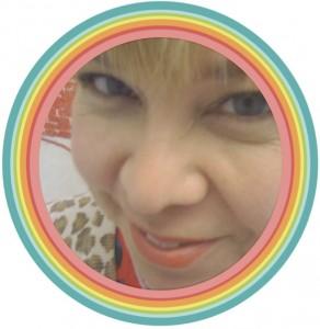 Candice Rainbow Border Circle